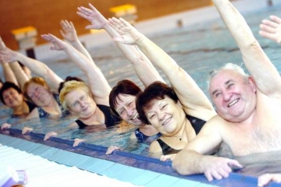 Aquapark podává ruku seniorům