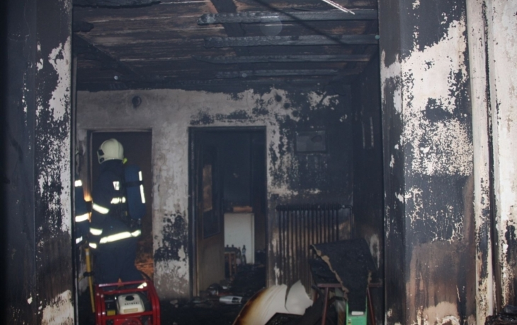 Tragédie, požár usmrtil majitelku domu