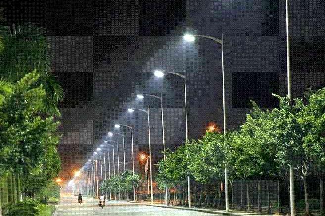 Štěpnice nasvěcují LED svítidla