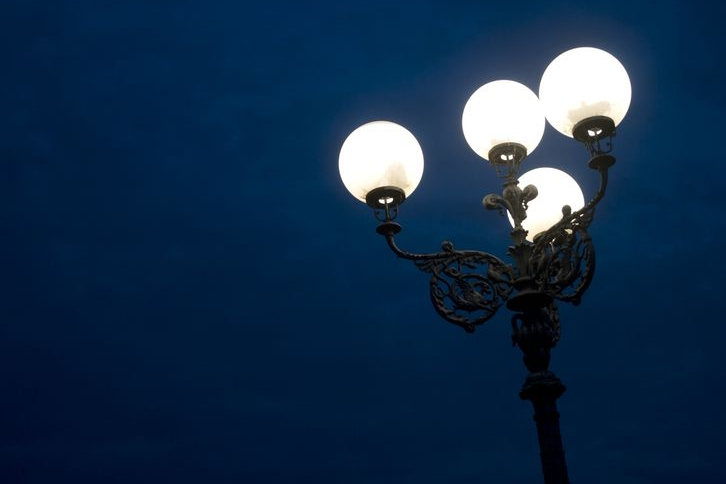 Ostrožské Zamlýní I. nasvítí nové lampy