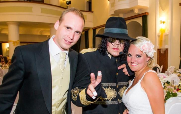 Novomanžele pozdravil Michael Jackson