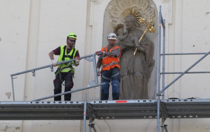 Barokní skvost odhodil zelený kabát a opět září