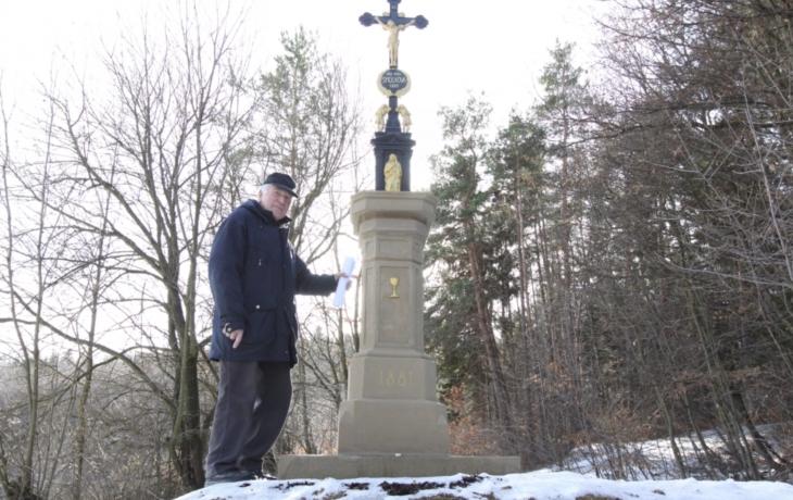 Šmolcův kříž z roku 1881 je zpět
