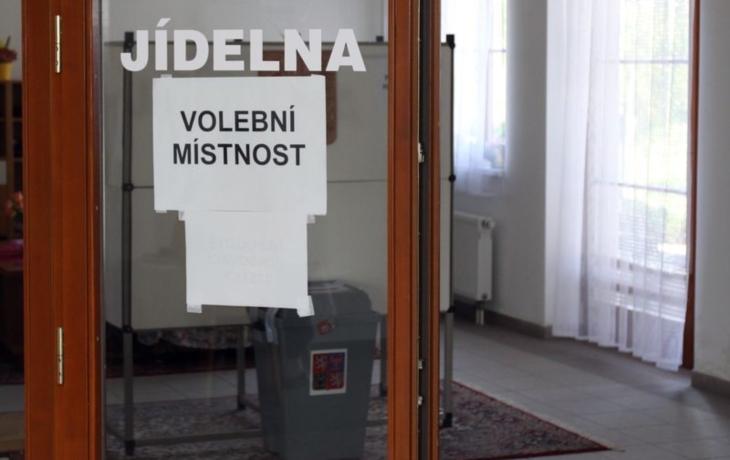 Hejtmanství zkoumá volební kandidátky