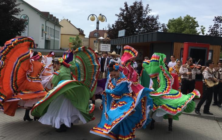 Pestrobarevné Mexiko roztančilo publikum