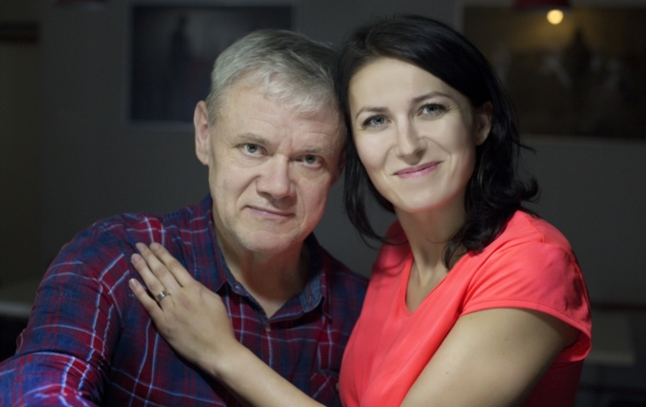 Martin Vrtáček přivezl chleba a roušku a dostal pozvání na štamprlu