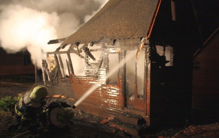 Na Mikulčáku vyhořela chata