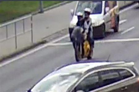 Podle kriminálky ujížděli pachatelé směrem na Brno. Svědci tvrdí opak