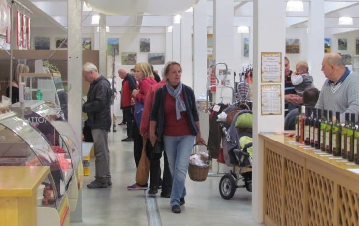 Farmářské trhy ve Slovácké tržnici
