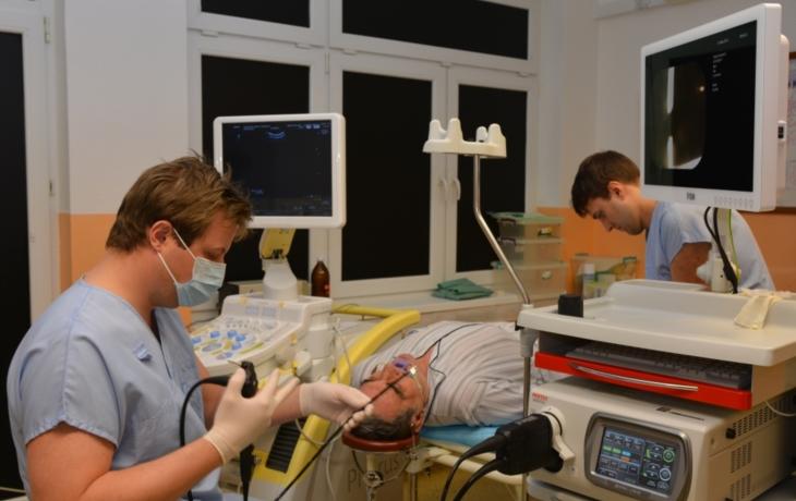 Lékaři z plicního hlásí novou posilu. Endobronchiální ultrasonograf odhalí nádory a jiné nemoci