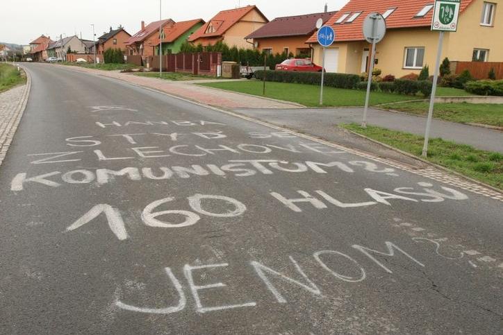 Hanba obcím, kde volili komunisty!