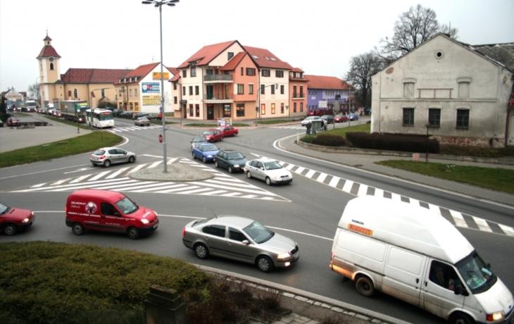 Dopravní kolaps v Kunovicích potrvá
