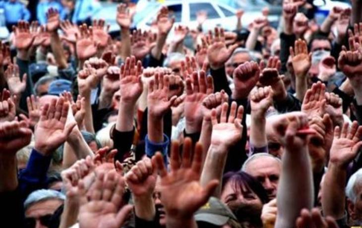 Demonstrace před radnicí se nekoná. Radnice pozemek v Tůních neprodá