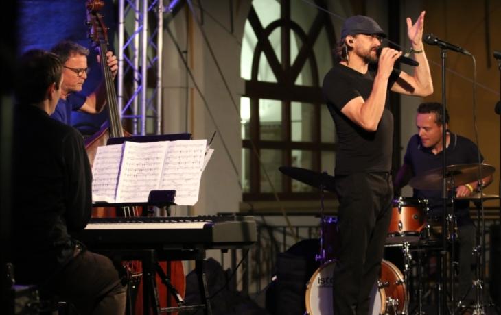 Petr Lipa uhranul publikum natolik, že zpíval i ten, kdo neumí