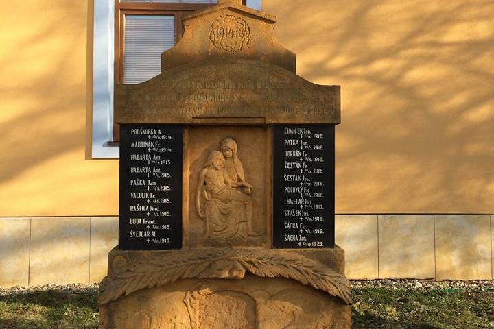 Město chce opravit pomníky padlých