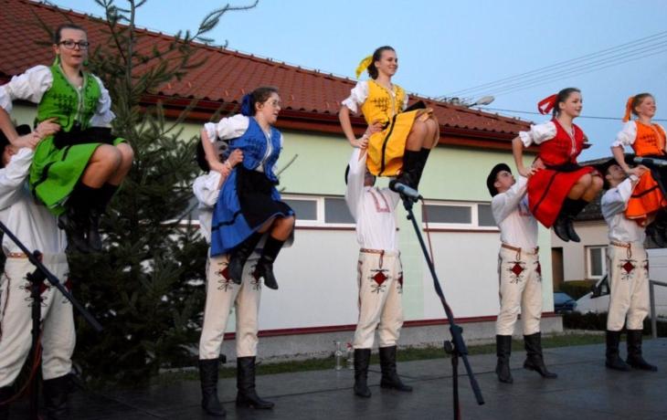 Jarmark oživily tance ze Slovenska