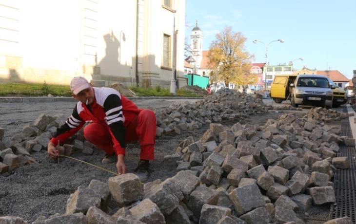 Proměna Masarykova náměstí: tři etapy, tři útrapy