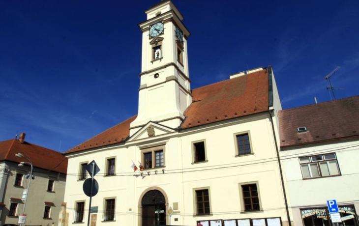 Radnice prodlouží úřední hodiny. Zatím na zkoušku