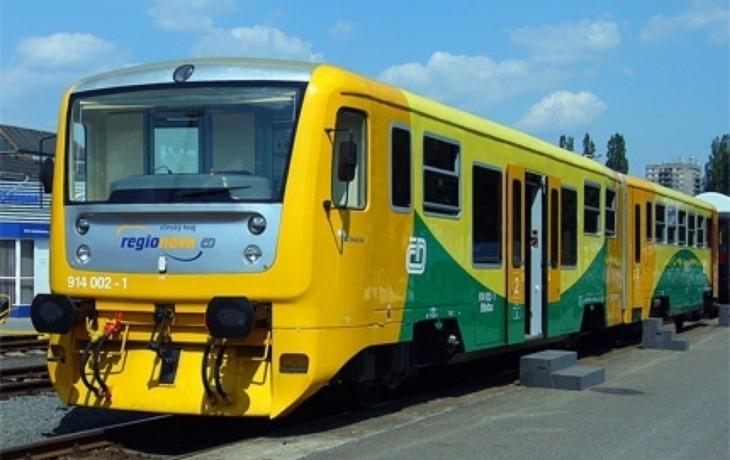 Dráhy přidaly kvůli studentům dva vlaky