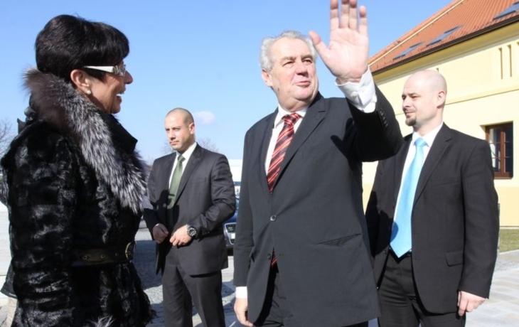 Politické špičky míří do Ostrohu. Zvou i dva prezidenty