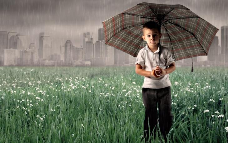 Mlžná stěna nezabírá, na lidi prší černý déšť! Nadějí je prý změna paliva