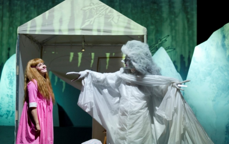 Divadlo uvedlo Hrubínův Špalíček veršů a pohádek
