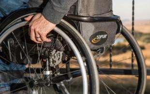 Ukradl invalidní…