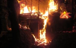 Shořela chatka u…